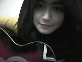 renee_guitar