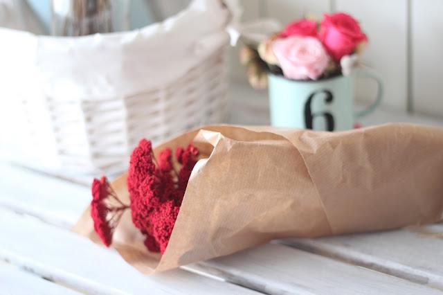 ramo_flores_secas-margarita_se_llama_mi_amor-rojo