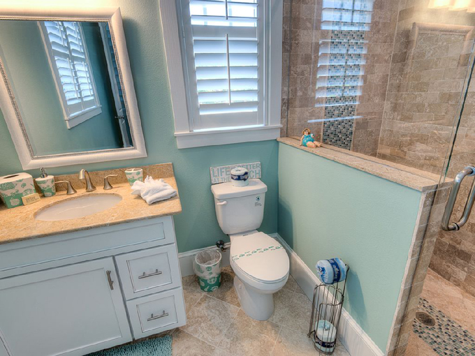 Aqua cove anna maria island florida the best modern for Florida bathroom designs