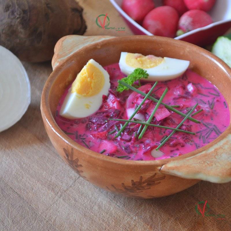 Chlodnik, gazpacho polaco de remolacha y rabanitos.