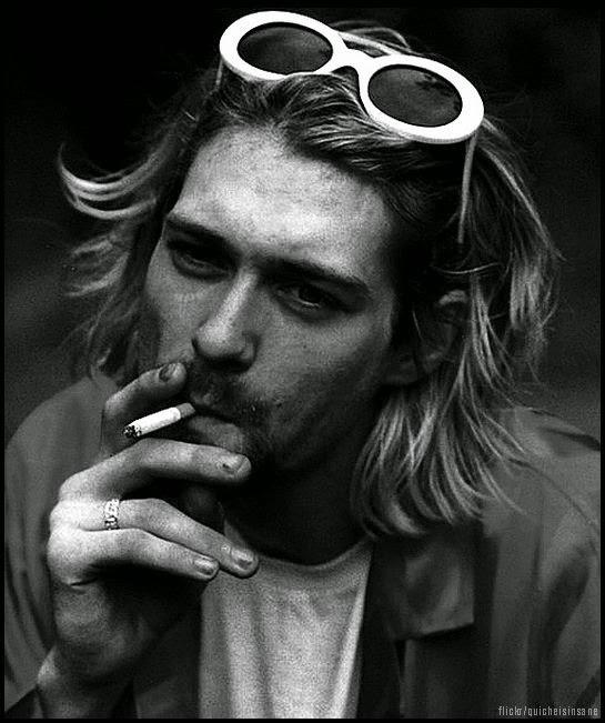 Kurt-Cobain-Smoking-Style