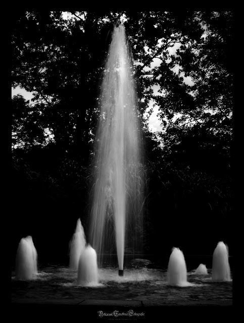 Langzeitaufnahme eines Springbrunnens