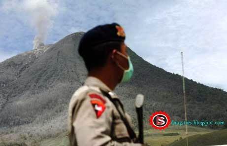 Tanggap darurat Sinabung hingga 15 Februari 2014