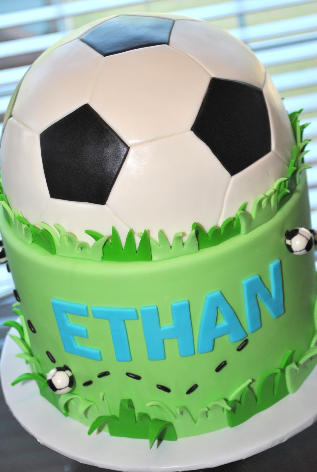 Hope s Sweet Cakes: Soccer, Caterpilla, Dino s, Pirates ...