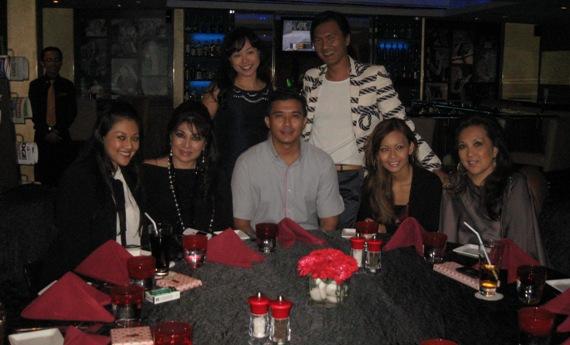 Aaron Aziz Disponsor Makan Malam VIP Peminat Wanita