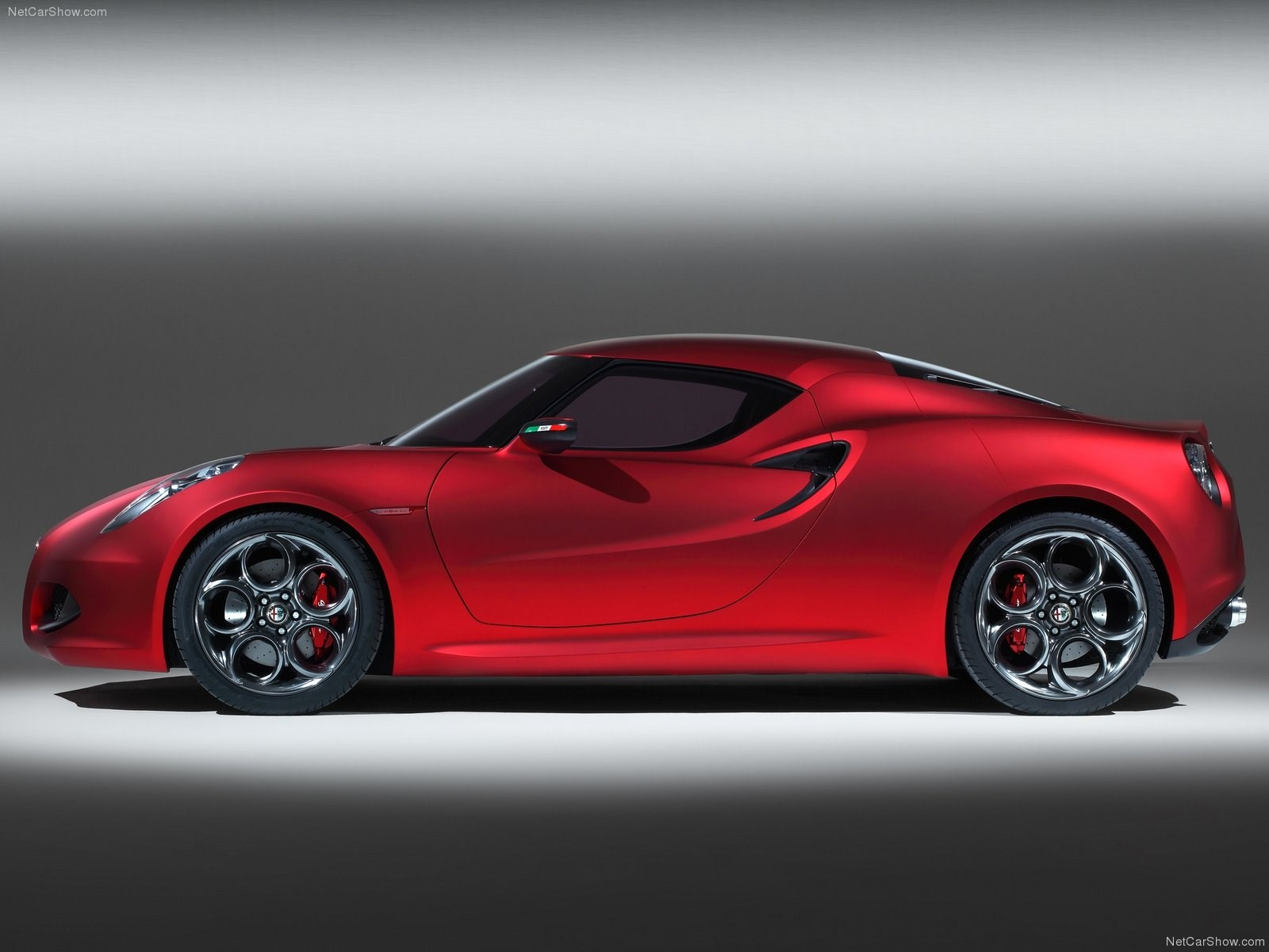 Alfa romeo 4c coupe price in india