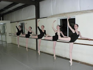 dancers and eating disorders essays The relationship between dance and eating disorders is well-documented by now it's a staple of every dance movie you've ever seen, from center stage to black swan it's hardly surprising that so many dancers, and especially ballerinas, have eating disorders: the dominant aesthetic in ballet is and has for some time been one that demands.