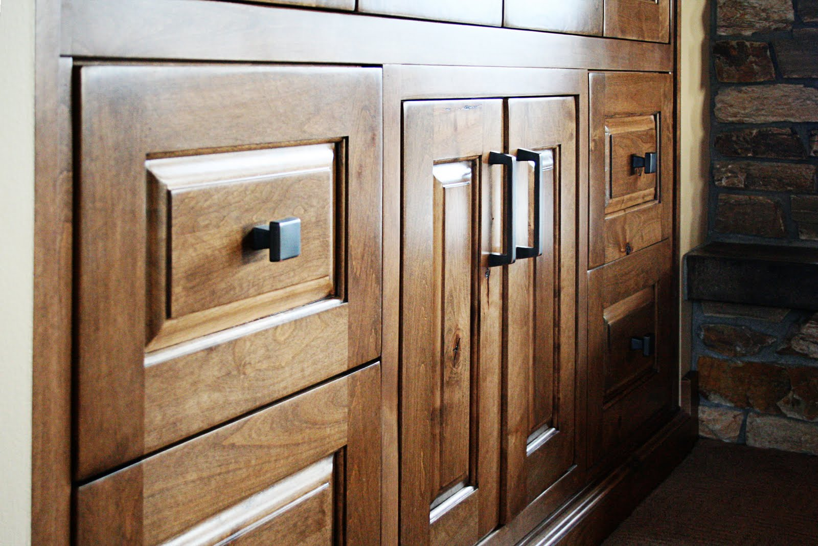 Quality custom cabinets furniture and woodwork - We Are Happy To Ship Our Cabinets To Areas Outside This Region As Well Our Goal Is To Provide High Quality Custom Cabinets To You Wherever You Are