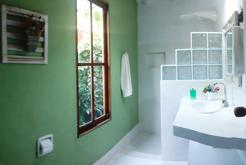 BANHEIRO SUÍTE__Suite Bathroom