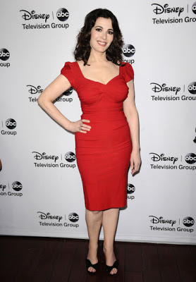 nigella-red-dress-the-taste-style