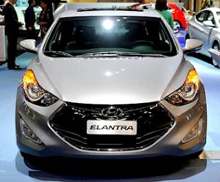 http://1.bp.blogspot.com/-aq3BHeeym0M/UOm5xtxrr4I/AAAAAAAAKYY/gwau8lEB88A/s1600/2013-Hyundai-Elantra-Coupe-Front-angle.jpg