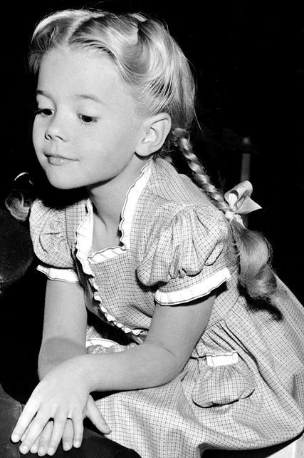 Ya como Natalie Wood (1945)