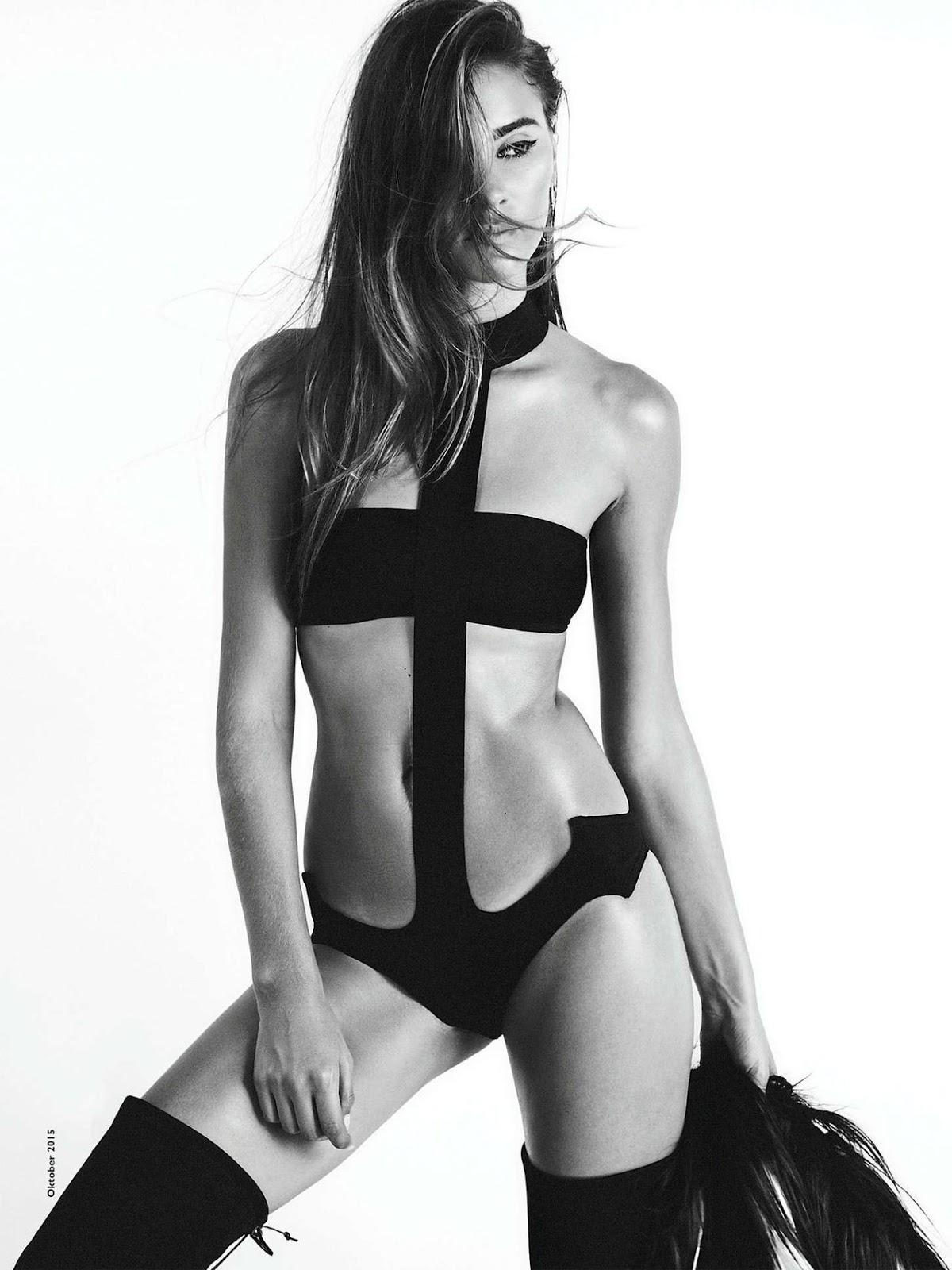 nackt Le Tutour Joséphine French model
