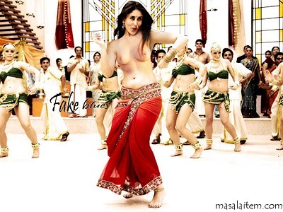 Kareena Kapoor Showing Big Boobs Photos