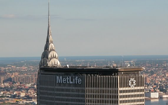 Chrysler Building behind Metlife