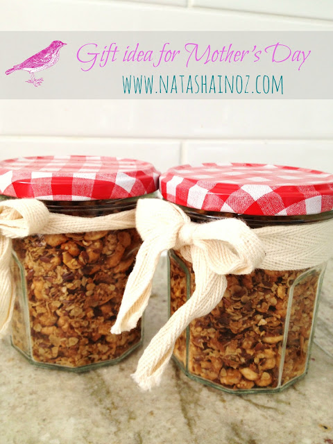 Homemade Granola, Natasha in Oz, Mother's Day Gift Idea, Mason Jars