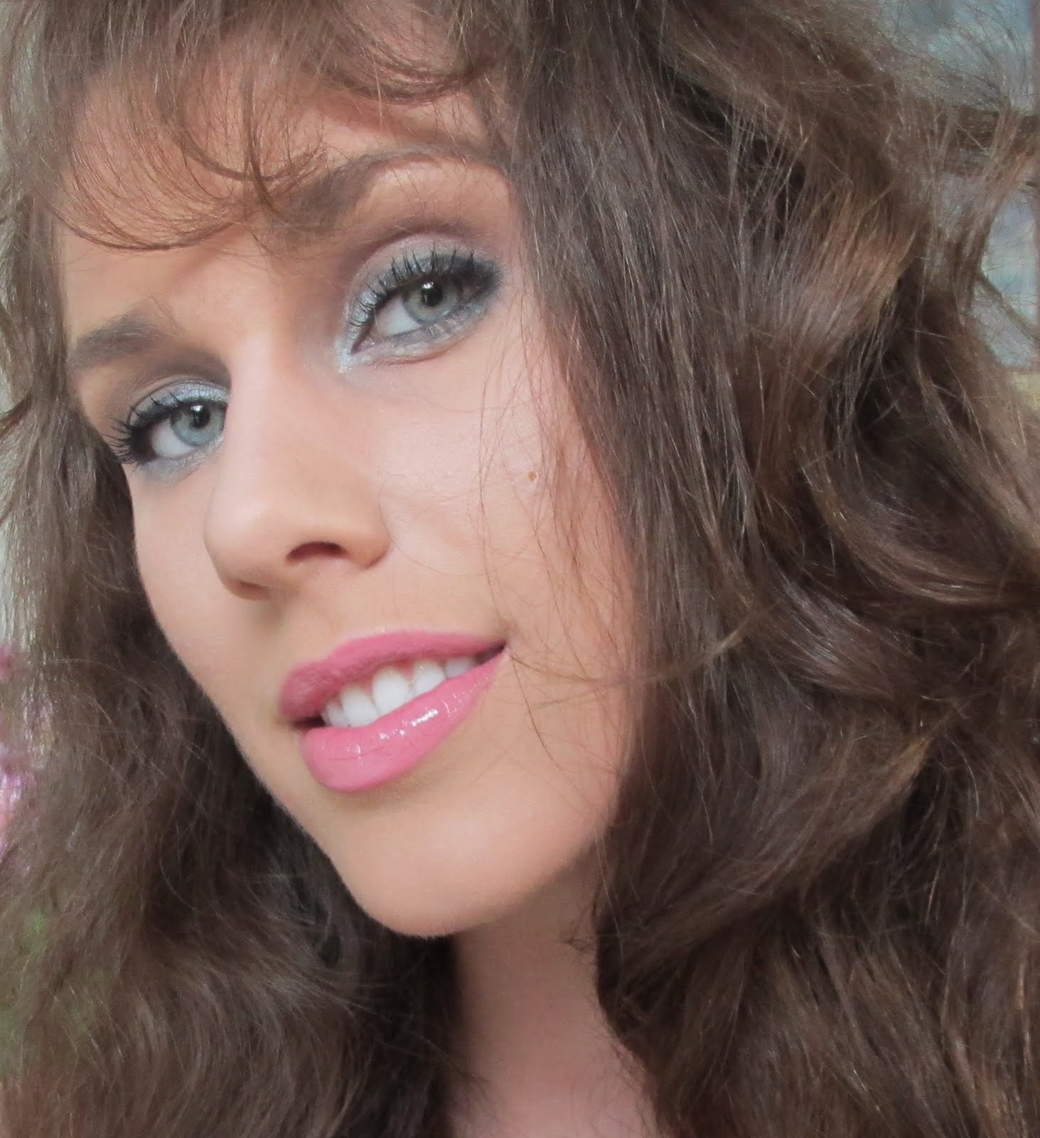 http://1.bp.blogspot.com/-aqkIJ8wJhvE/TosudtIdbeI/AAAAAAAAAik/UecmlBLQ38U/s1600/leona-lewis-official-music-video-collide-avicci-photo-picture-makeup-tutorial-look-how-to-cosmetics-make-up-leona-lewis-345-diamondsandheels14.jpg