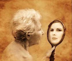 Hal yang Disesali Wanita Saat Tua