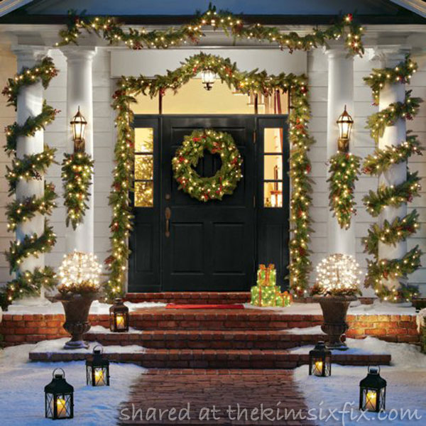 Outdoor christmas decor garland