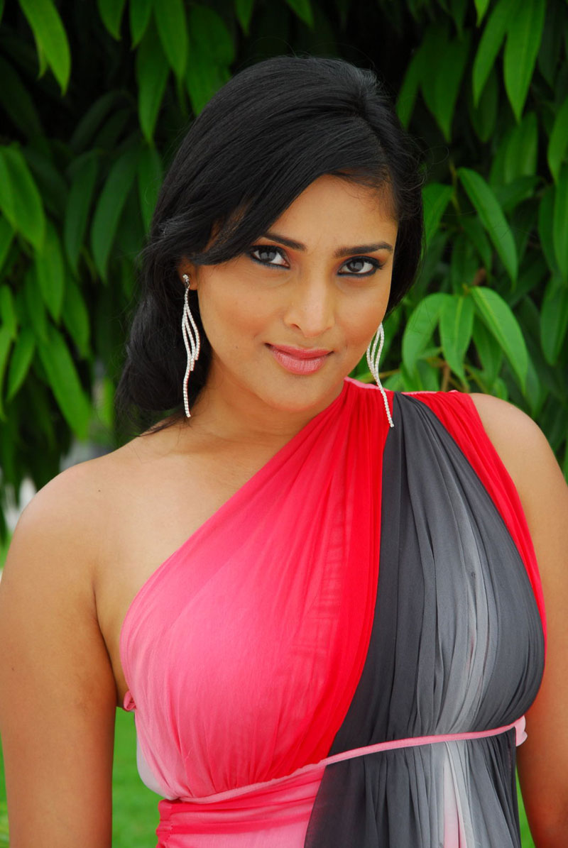 kannada actress hd wallpapers of ramya