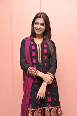 Samantha Cute in Black Chudithar Latest Photos
