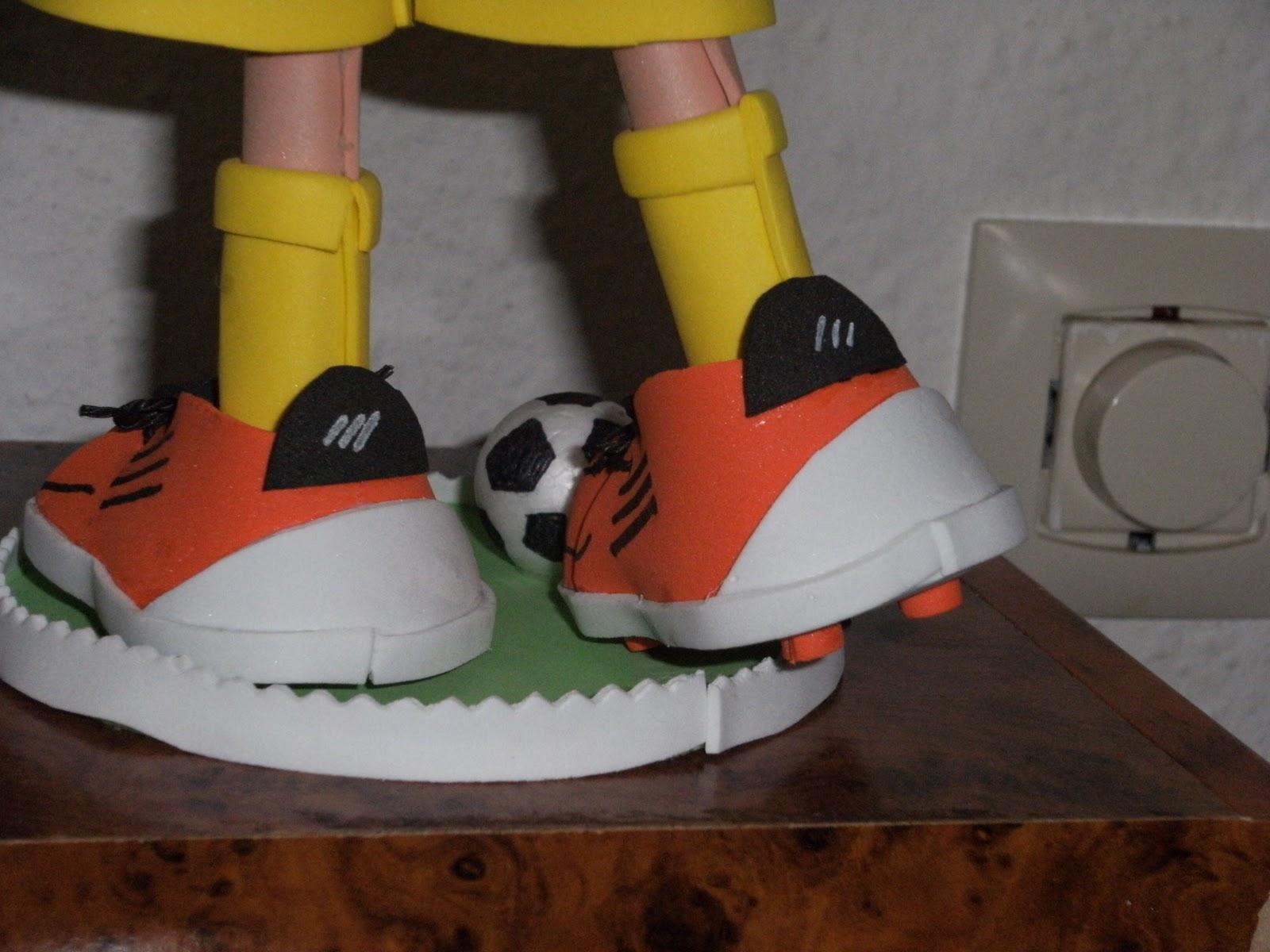 Cada una lleva las zapatillas como las jugadoras a las que representan
