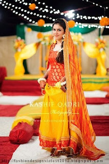 Mehndi-Lehnga-Dresses-Collection