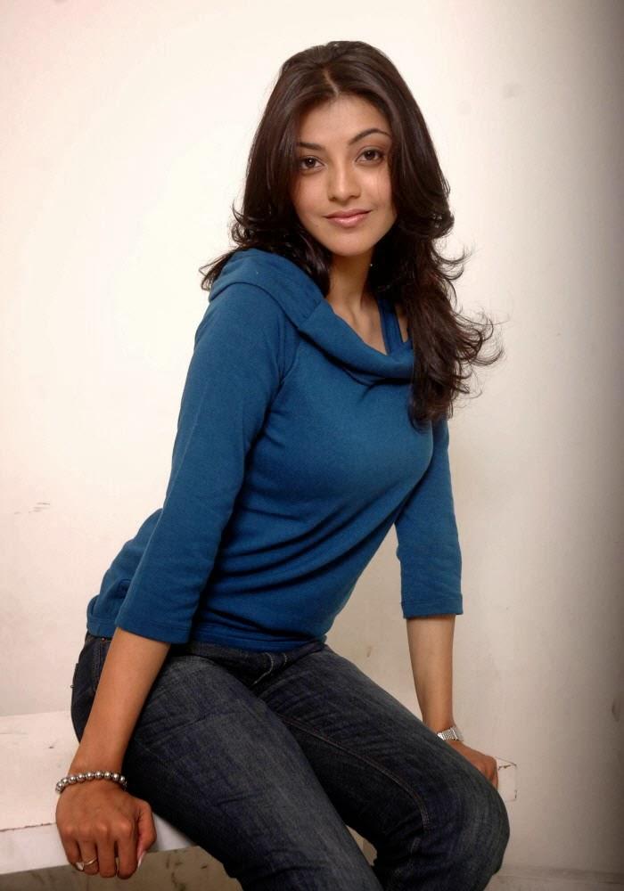 Kajal+Agarwal+in+blue+top+and+jeans005