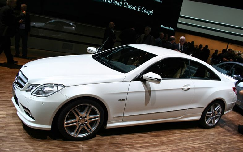 cars trend 2010 mercedes benz e class coupe. Black Bedroom Furniture Sets. Home Design Ideas