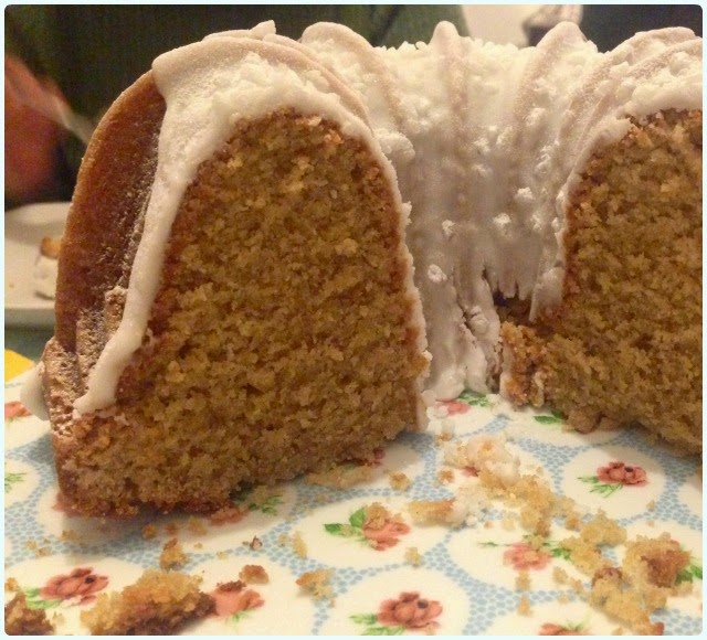 Cinnamon Apple Bundt Cake