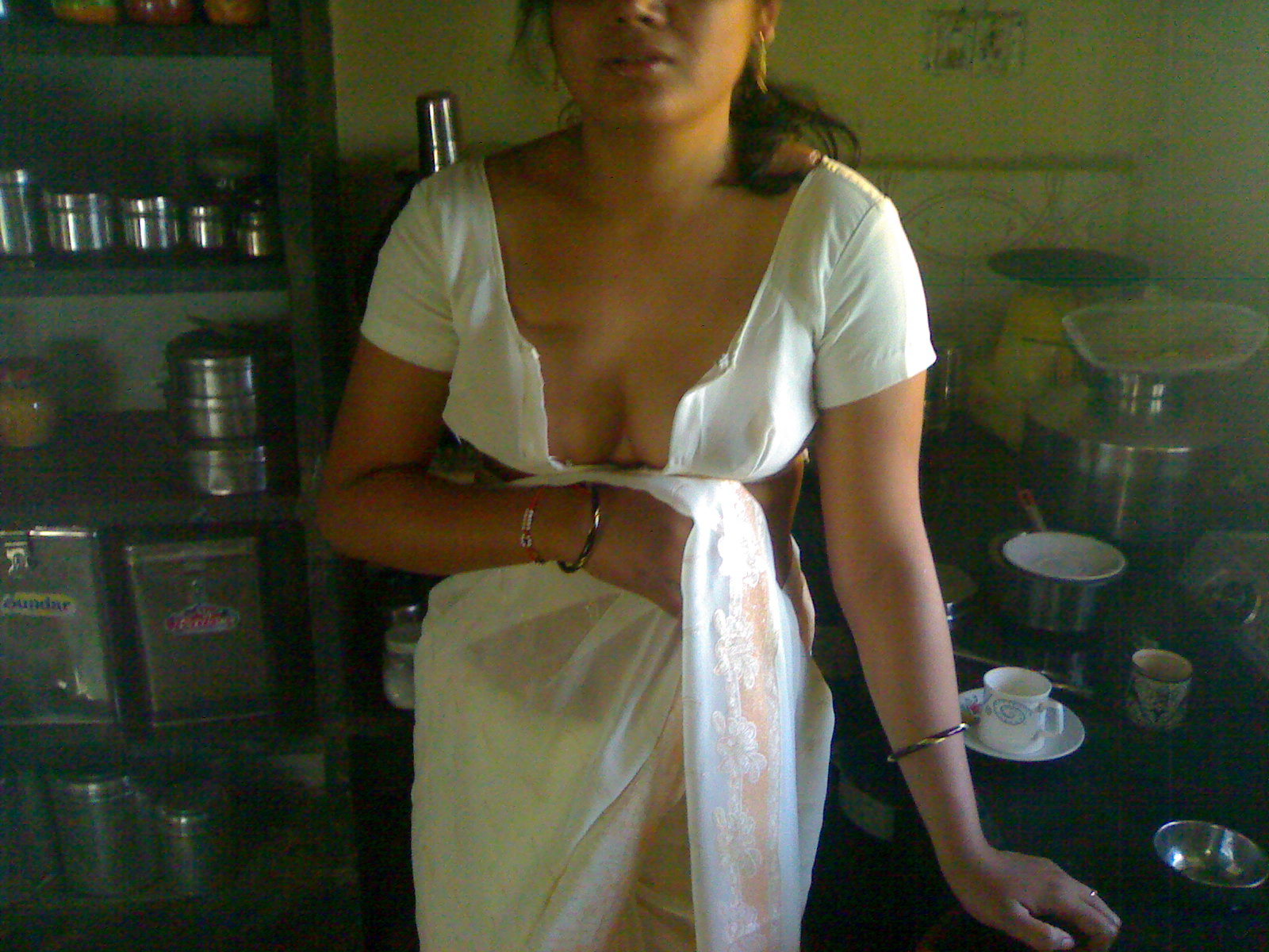 Bangla girl exposing on yahoo