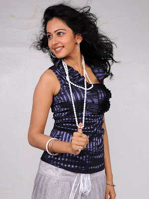 Rakul Preeti Singh Smiley Photos