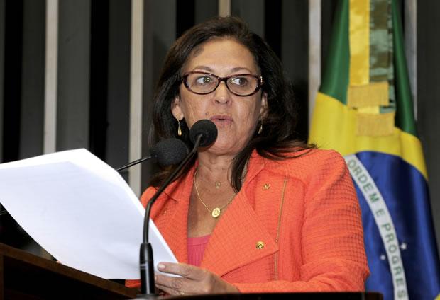 Senadora Lídice da Mata (PSB-BA) defendeu a proposta lembrando que o Congresso está atrasado (Foto: Moreira Mariz / Agência Senado)