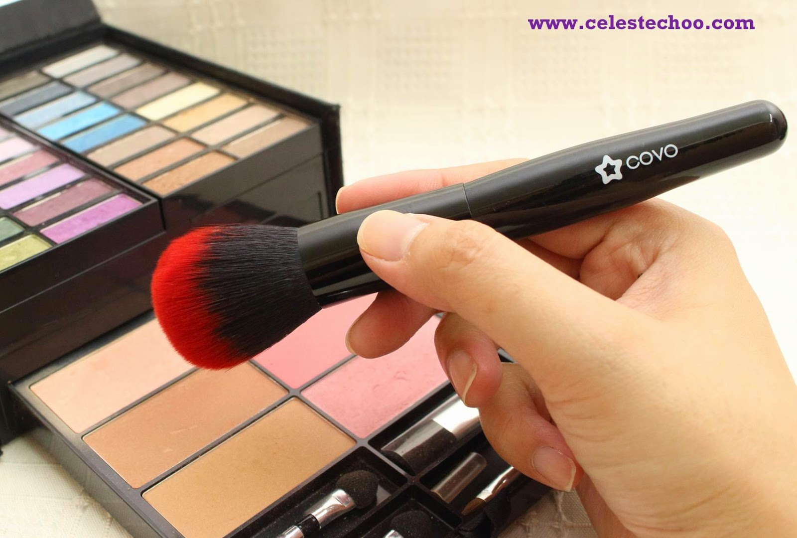 covo-cosmetics-powder-foundation-makeup-brush