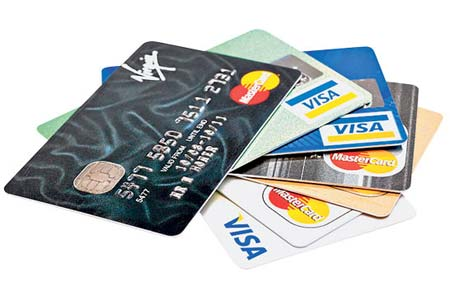 Mengapa Polisi TNI Sulit Mendapatkan Kartu Kredit