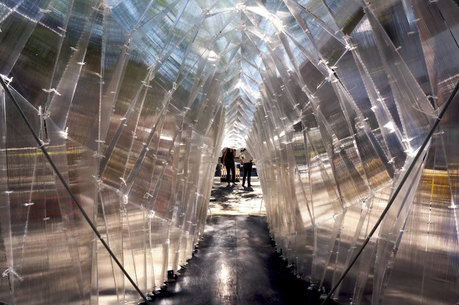 2b glass pavilion