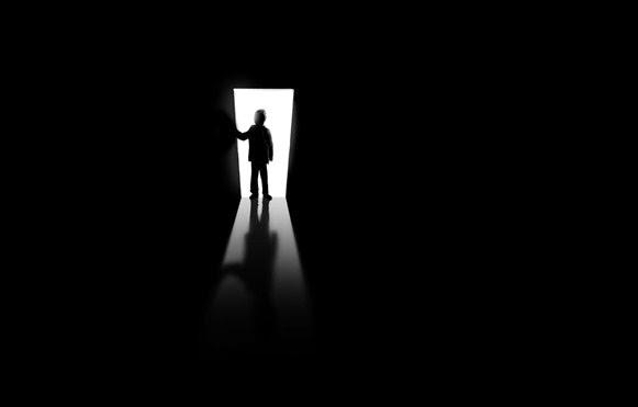 Misteri Fenomena Kakek Penjual Kain Sarung