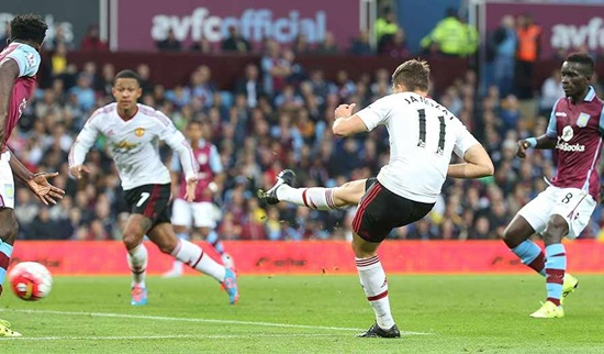 Aston Villa 0 x 1 Manchester United - Premier League 2015/16