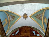 Detall de la decoració de la volta de sobre l'altar major