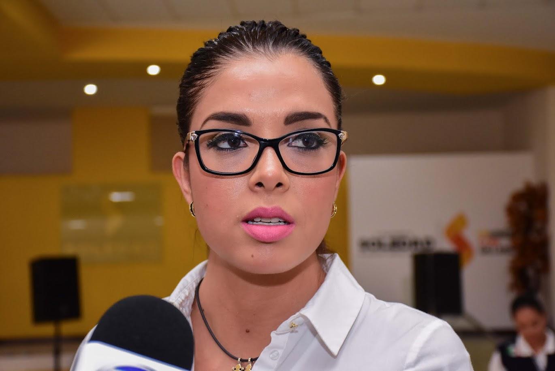 """""""HAREMOS MAS POR LOS POBRES"""": RUTH GONZALEZ DE GALLARDO"""