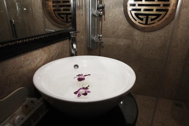 Bathroom - Glory Cruise