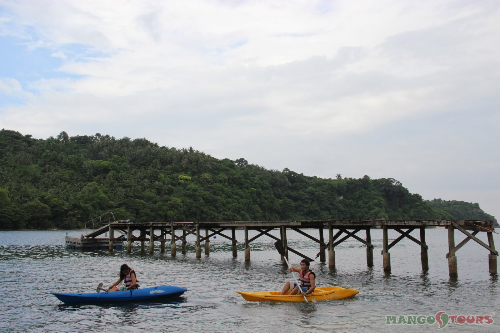 Puerto Galera Buri Resort & Spa Restaurant Mango Tours Philippines Kayak Water sport activities
