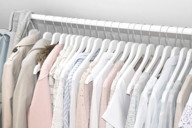 Katherine Penney Chic Blogger New Bedroom Uni Life Decor Inspo Interior Pastel Pretty White Fashion Clothes Rail