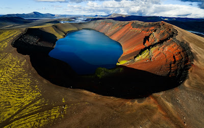 Arctic Volcanic Lake HD Background Wallpaper For Laptop Widescreen .Jpg