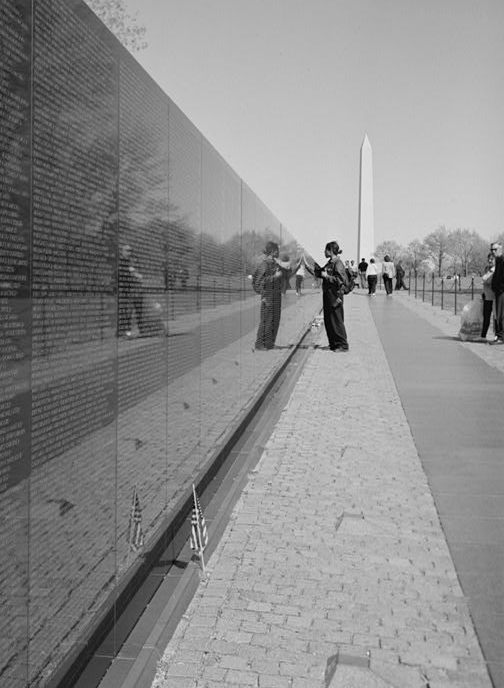 maya lin vietnam war memorial This 37,000-square-foot (3,400 m 2), two-story museum, located belowground just west of the maya lin-designed memorial, highlights the history of the vietnam war and the multiple design competitions and artworks which make up the vietnam veterans memorial, vietnam women's memorial, and the memorial plaque.