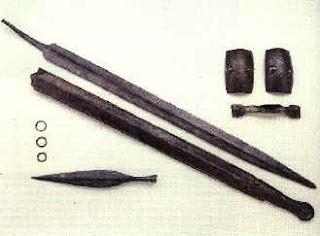 Panoplia completa in ferro dalla necropoli a Fère-Champenoise. III sec. a.C.