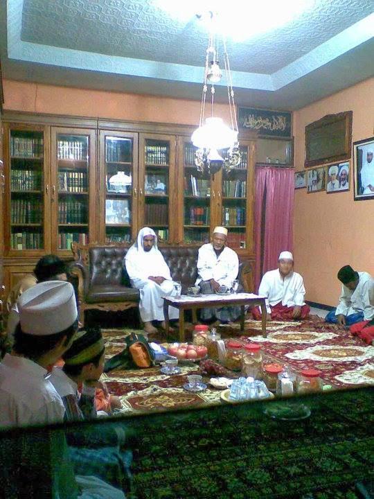 Syekh Nur Saif dan KH Ahmad Zabidi Zuhdie di Pon Pes Leler