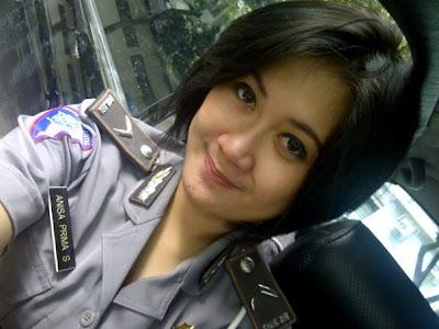 Itulah Polwan Cantik dan Sexy di Indonesia, semoga Anda puas ...