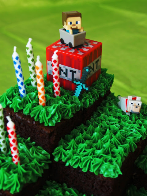 Minecraft landscape cake