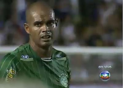 Atacante Flavio Barros no Ceres-RJ